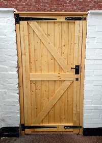 GOSFORTH CARPENTRY & DESIGN: Ledged & Braced Gate